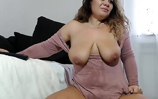 Chubby girl masturbating and squirting