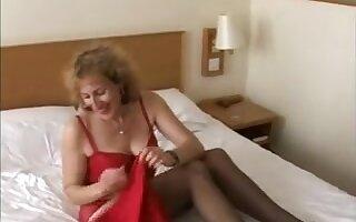 British Non-Professional Naomi