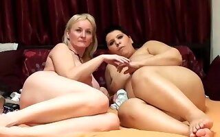 bustedwifes intimate episode on 01/23/15 23:46 from chaturbate